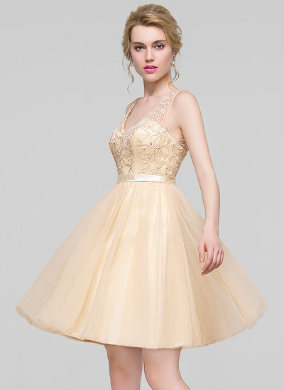 A-Line/Princess V-neck Knee-Length Tulle Bridesmaid Dress With Beading Sequins