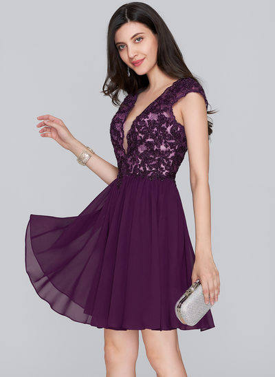 A-Line/Princess V-neck Short/Mini Chiffon Homecoming Dress