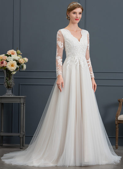 A-Line/Princess V-neck Court Train Tulle Wedding Dress