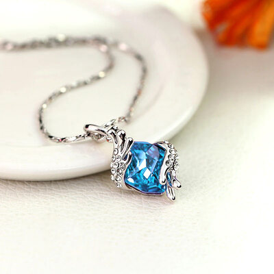 Ladies' Unique Alloy Rhinestone/Austrian Crystal Necklaces For Mother