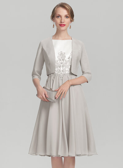 A-Line/Princess Scoop Neck Knee-Length Chiffon Satin Mother of the Bride Dress With Beading Appliques Lace