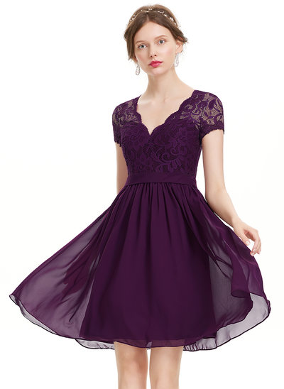 A-Line/Princess V-neck Knee-Length Chiffon Homecoming Dress