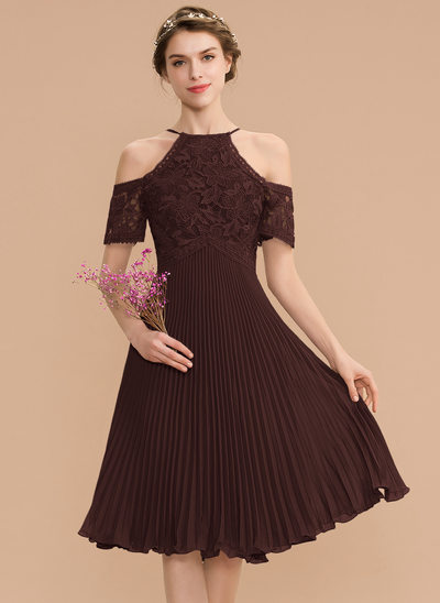 A-Line Scoop Neck Knee-Length Chiffon Lace Bridesmaid Dress With Pleated