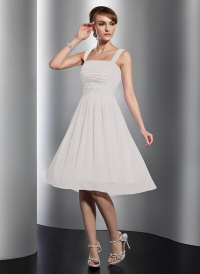 A-Line Square Neckline Knee-Length Chiffon Homecoming Dress With Ruffle Beading Appliques Lace