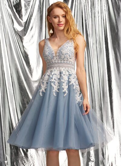 A-Line V-neck Knee-Length Tulle Homecoming Dress
