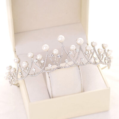 Elegant Alloy With Rhinestone