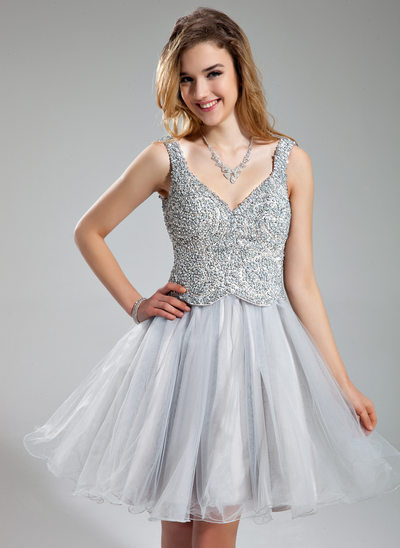 A-Line/Princess V-neck Short/Mini Tulle Holiday Dress With Beading Sequins