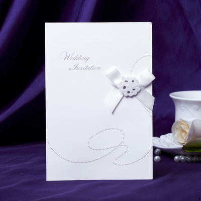 klassisk Stil Side Fold Invitation Cards med Buer (Sett Av 50)