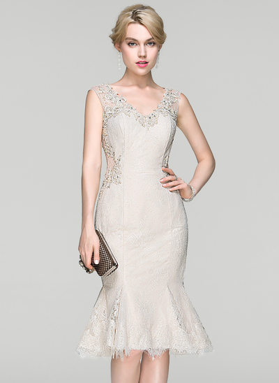 Trumpet/Mermaid V-neck Knee-Length Lace Cocktail Dress With Beading Sequins