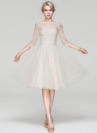 A-Line/Princess Scoop Neck Knee-Length Chiffon Cocktail Dress With Lace