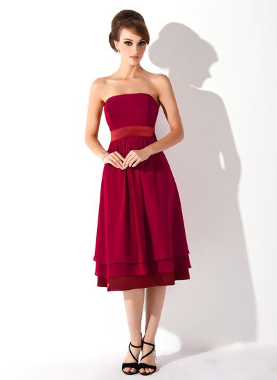 A-Line/Princess Strapless Knee-Length Chiffon Maternity Bridesmaid Dress With Ruffle
