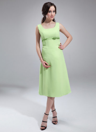 A-Line/Princess Scoop Neck Knee-Length Chiffon Maternity Bridesmaid Dress With Sash Bow(s)