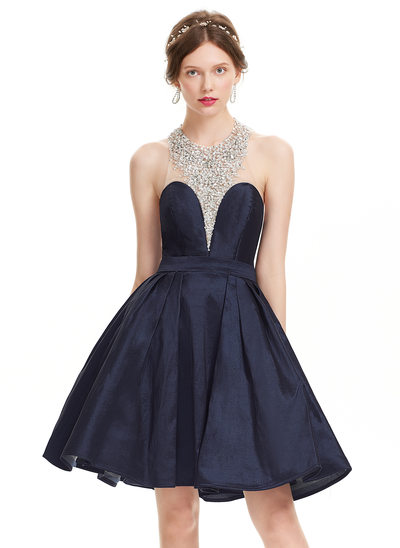 A-Line/Princess Halter Knee-Length Taffeta Homecoming Dress With Beading Sequins