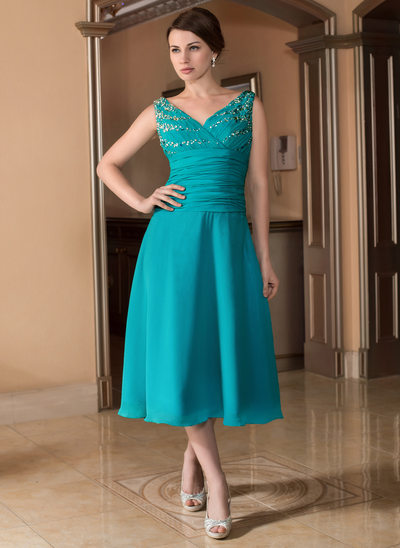 A-Line/Princess V-neck Tea-Length Chiffon Mother of the Bride Dress With Ruffle Beading