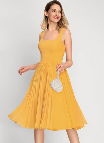 A-Line Square Neckline Knee-Length Chiffon Cocktail Dress With Pleated