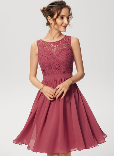 A-Line Scoop Neck Knee-Length Chiffon Lace Cocktail Dress