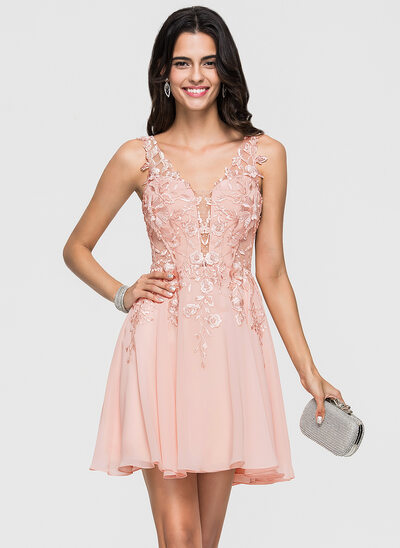 015e1217e44 A-Line/Princess V-neck Short/Mini Chiffon Homecoming Dress With Lace