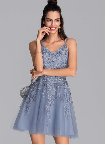 A-Line V-neck Short/Mini Tulle Homecoming Dress