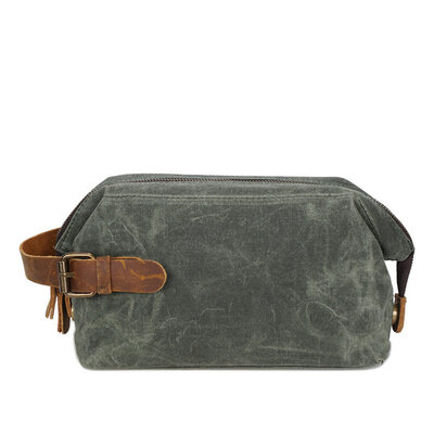Groom Presenter - Modern Duk Dopp Kit Bag