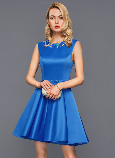 A-Line/Princess Scoop Neck Short/Mini Satin Cocktail Dress With Lace Beading Bow(s)