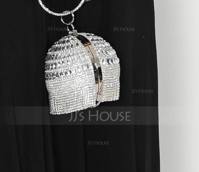 Elegant Leather Clutches (012175415)