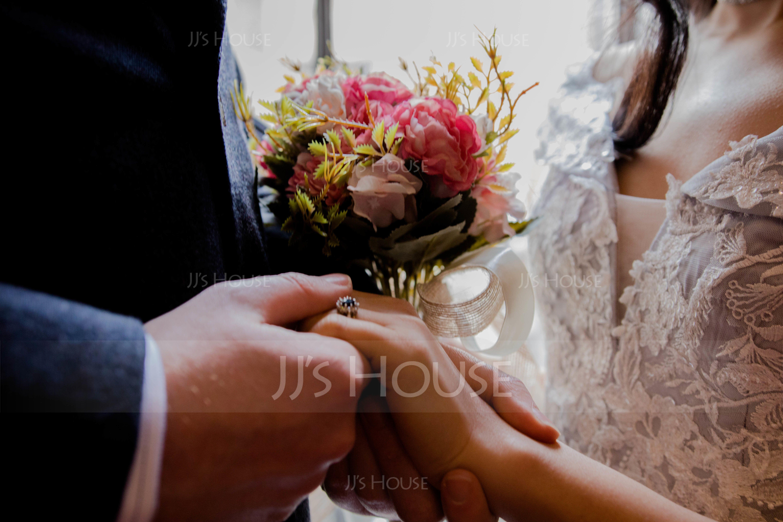 Hand-tied Satin Bridal Bouquets/Bridesmaid Bouquets - (123123107)
