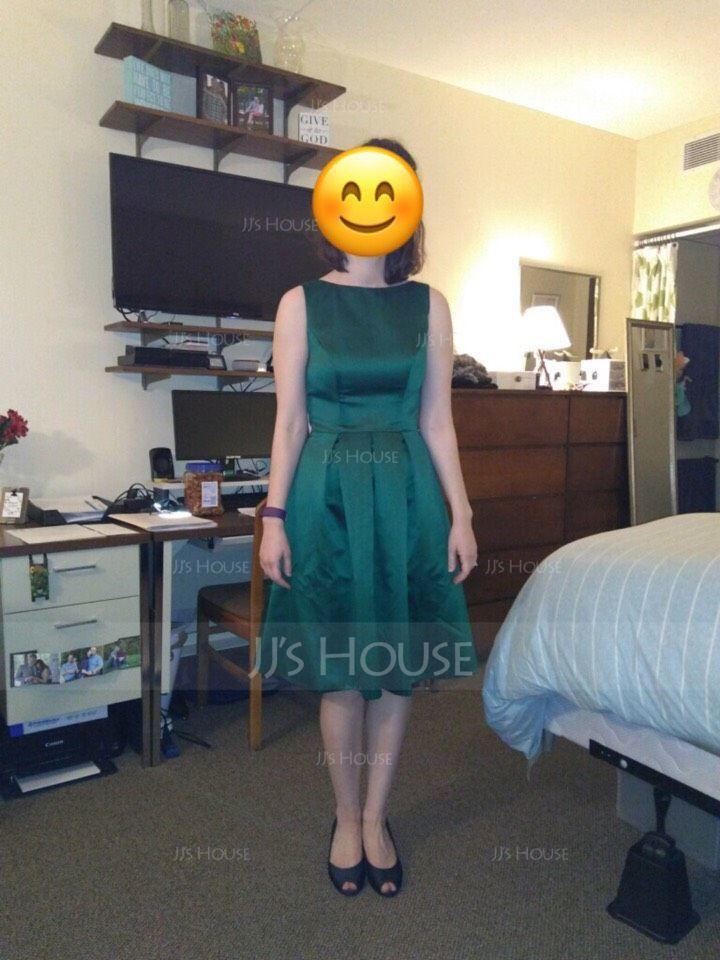 A-Line/Princess Scoop Neck Knee-Length Satin Bridesmaid Dress With Ruffle (007060562)