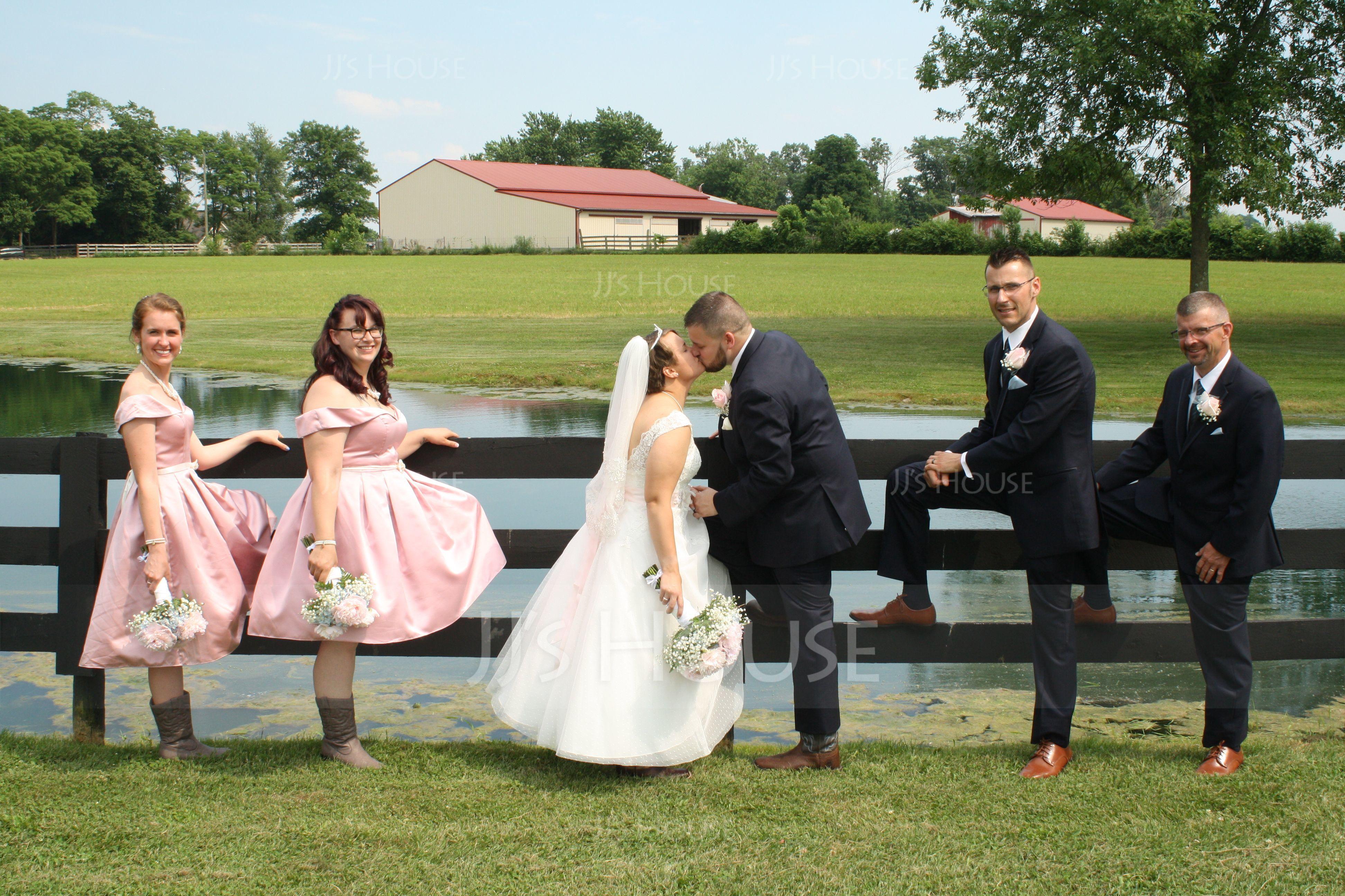 A-Lijn Off-the-schouder Knie-Lengte Satijn Bruidsmeisjes Jurk (007104710)