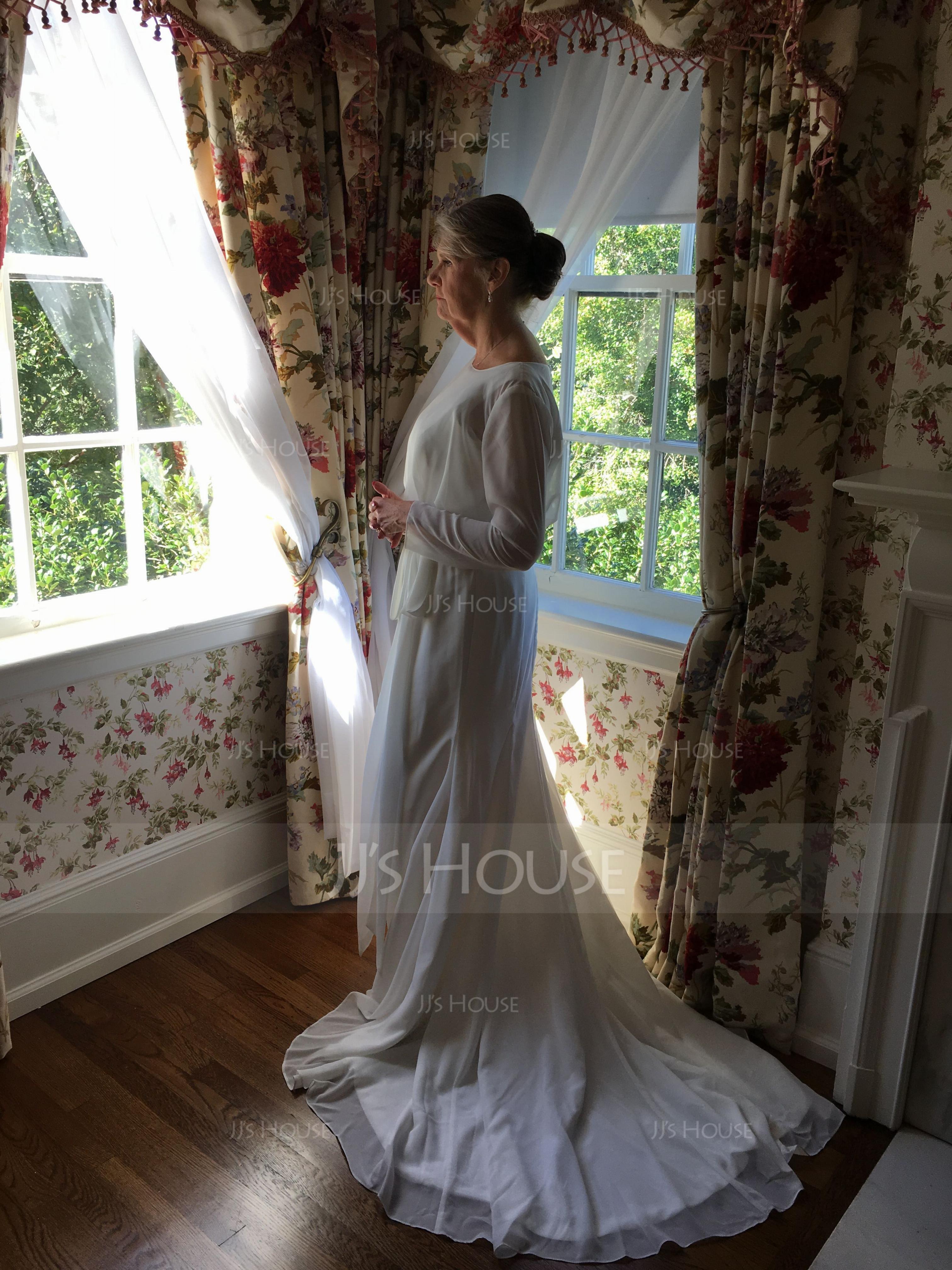 Sheath/Column Scoop Neck Court Train Chiffon Wedding Dress With Ruffle Bow(s) (002076025)