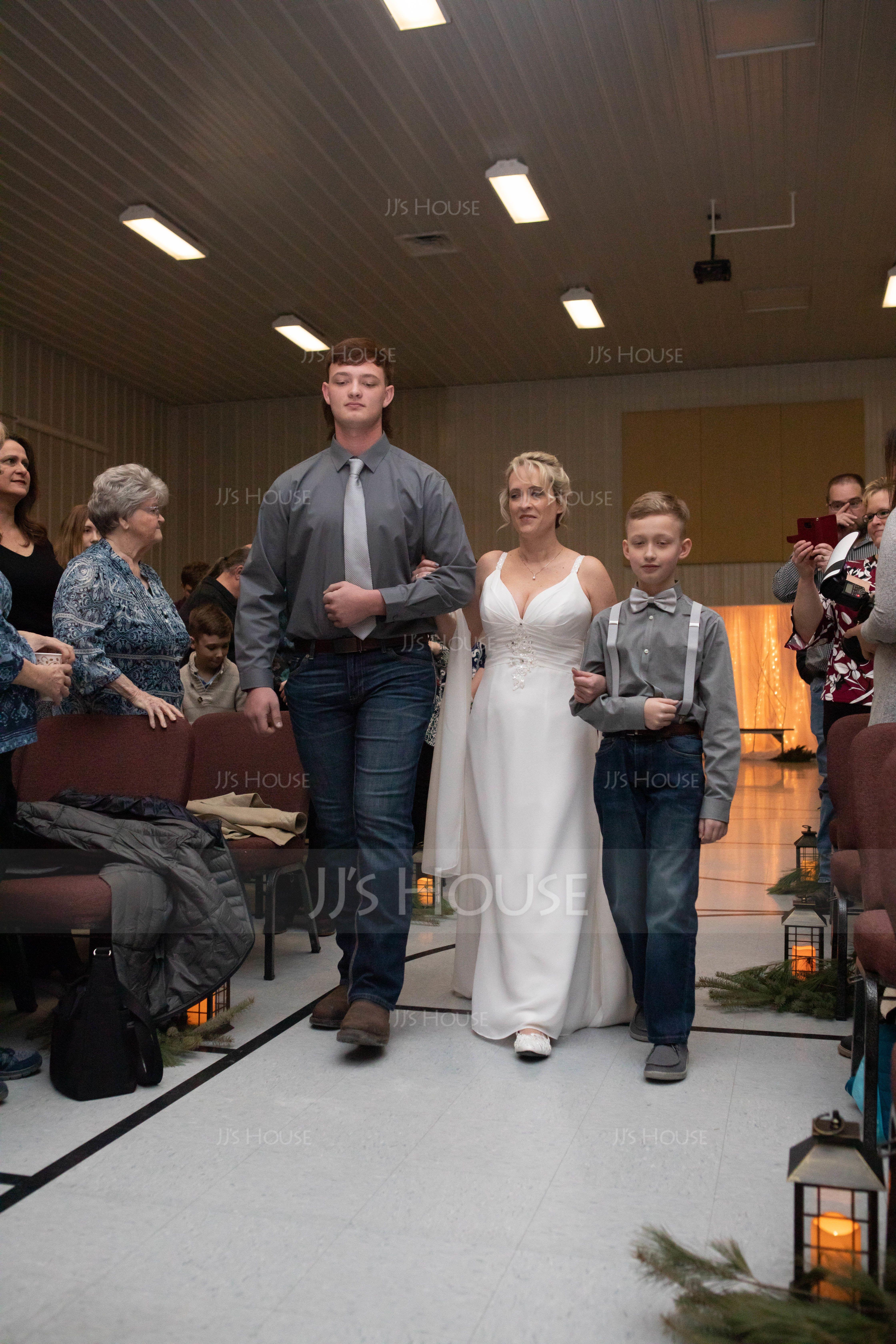 Sheath/Column V-neck Court Train Chiffon Wedding Dress With Ruffle Beading (002012150)