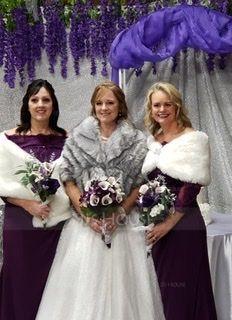 Faux Fur Wedding Wrap (013187116)