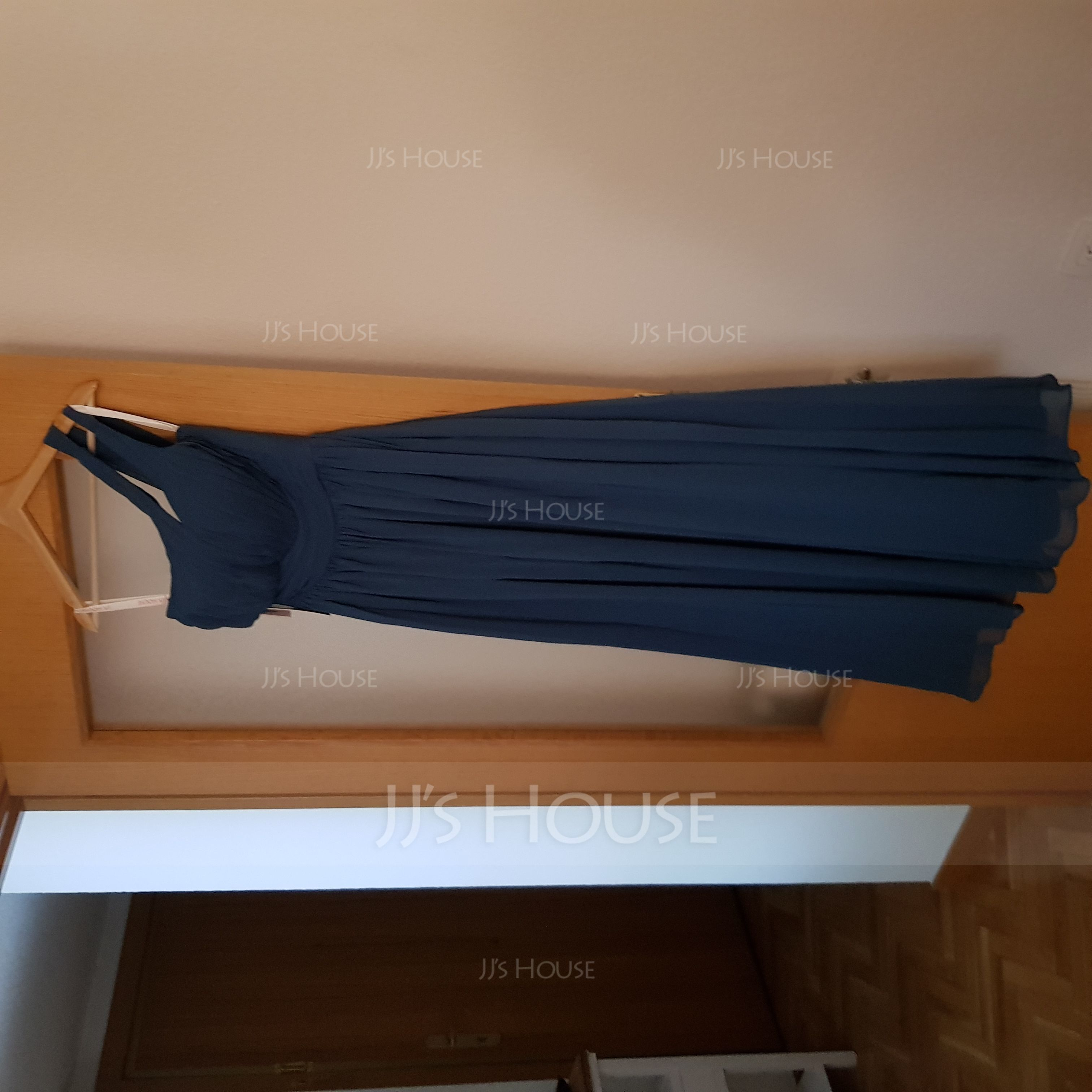 A-Linjainen Yksiolkaiminen Lattiaa hipova pituus Sifonki Morsiusneitojen mekko jossa Rypytys (007126469)