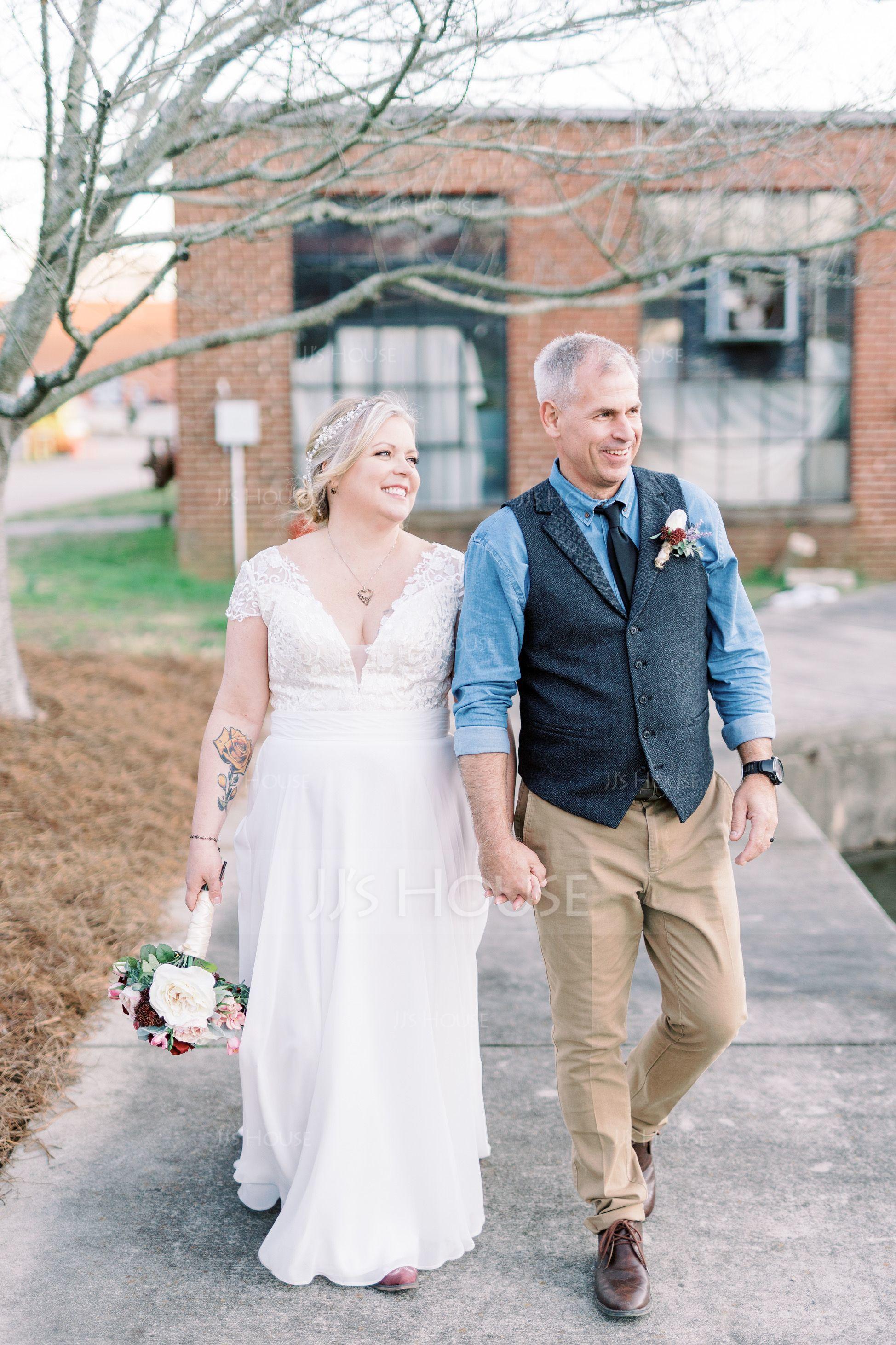 A-Line/Princess V-neck Sweep Train Chiffon Wedding Dress With Ruffle (002134554)