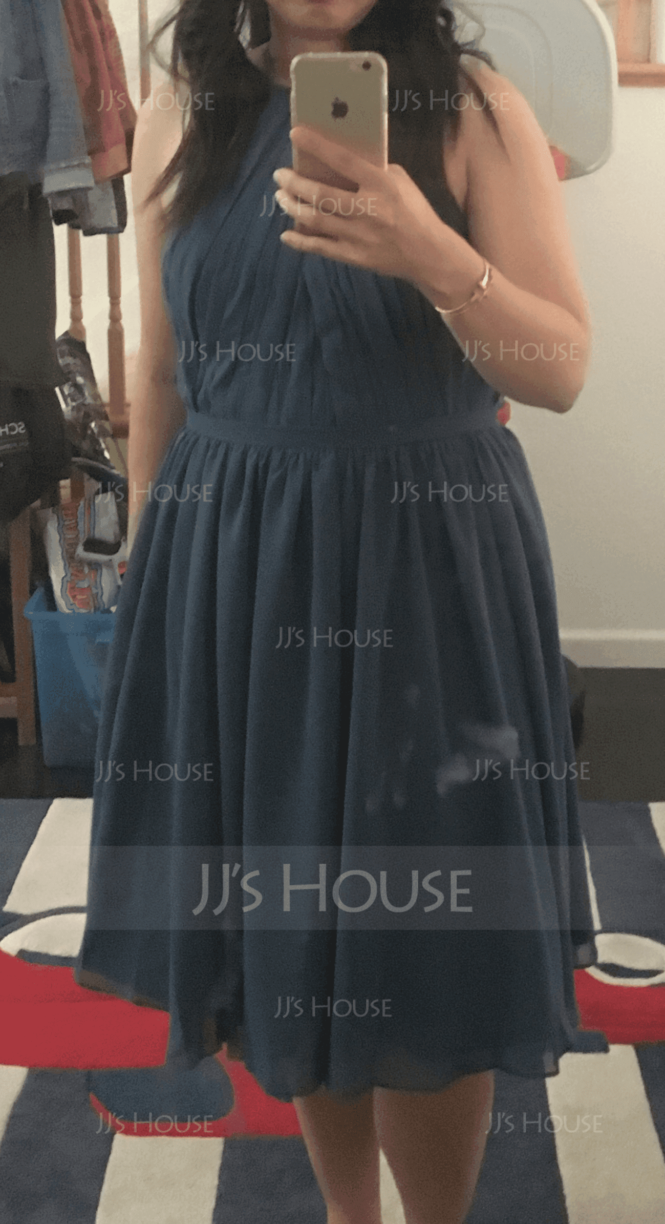 A-Linjainen Pyöreä kaula-aukko Polvipituinen Sifonki Morsiusneitojen mekko jossa Rypytys (007153362)