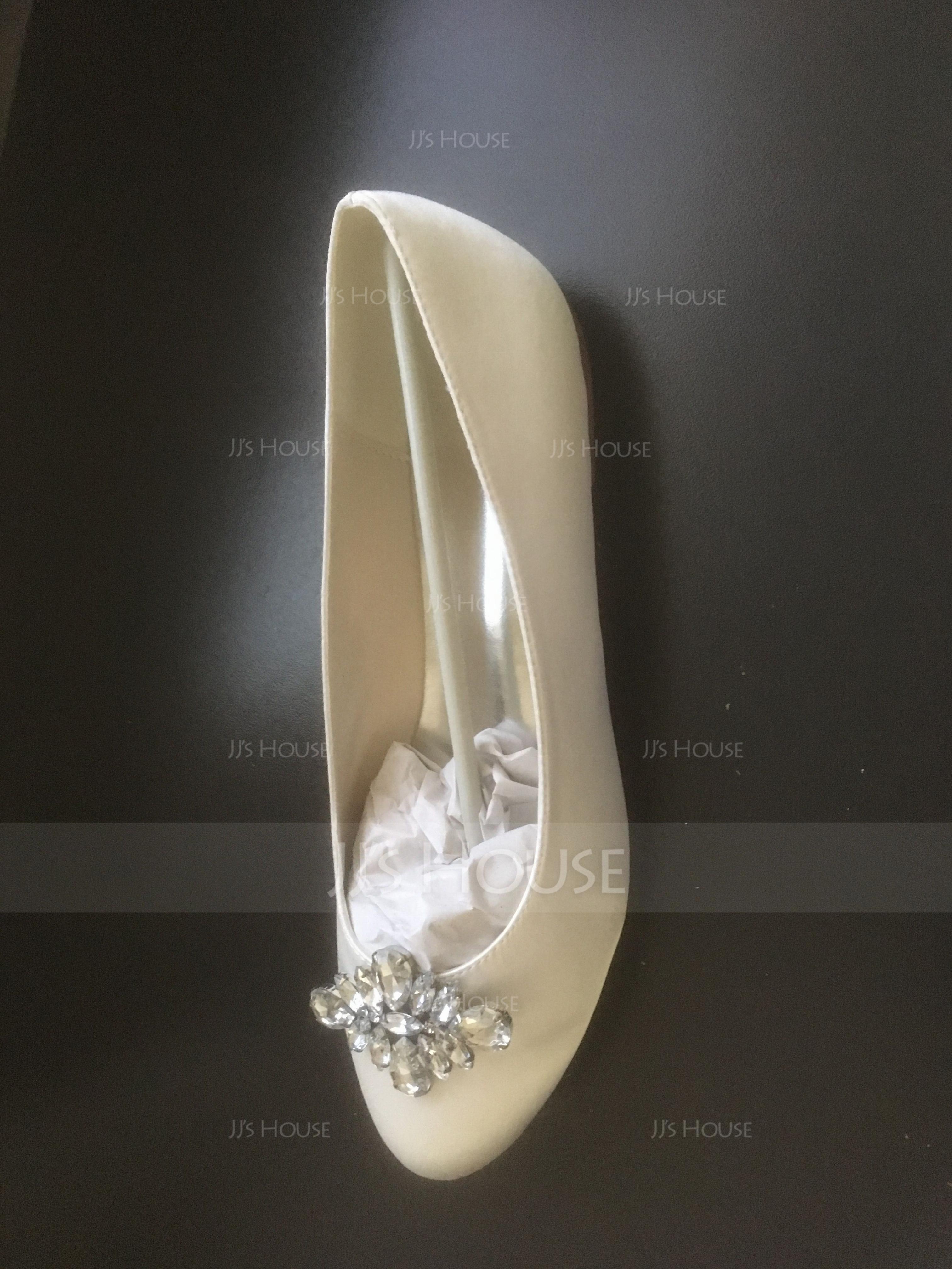 Vrouwen Satijn Flat Heel Closed Toe Flats met Strass (047054653)