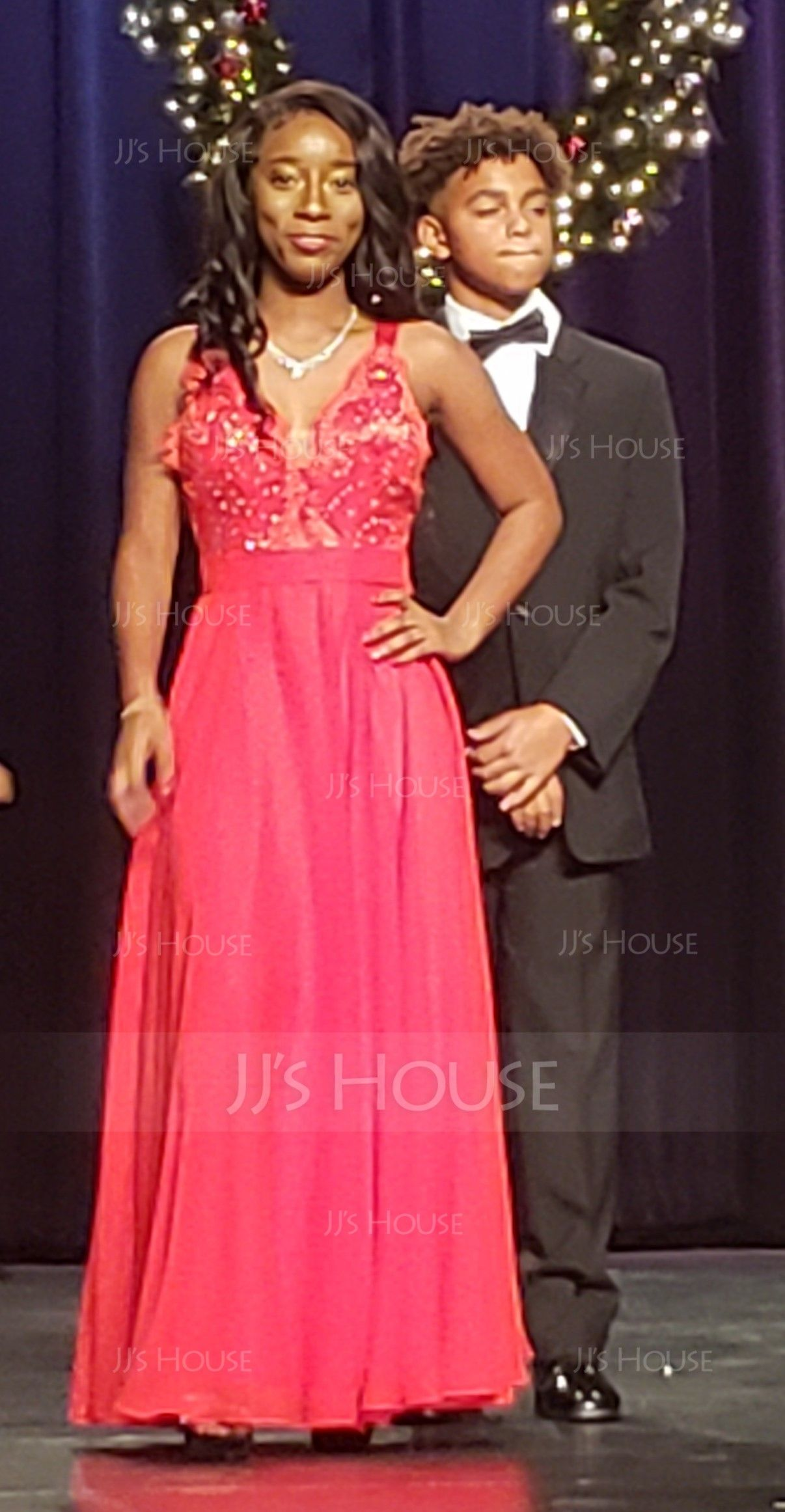 A-Line Halter Floor-Length Chiffon Prom Dresses With Split Front (018146348)