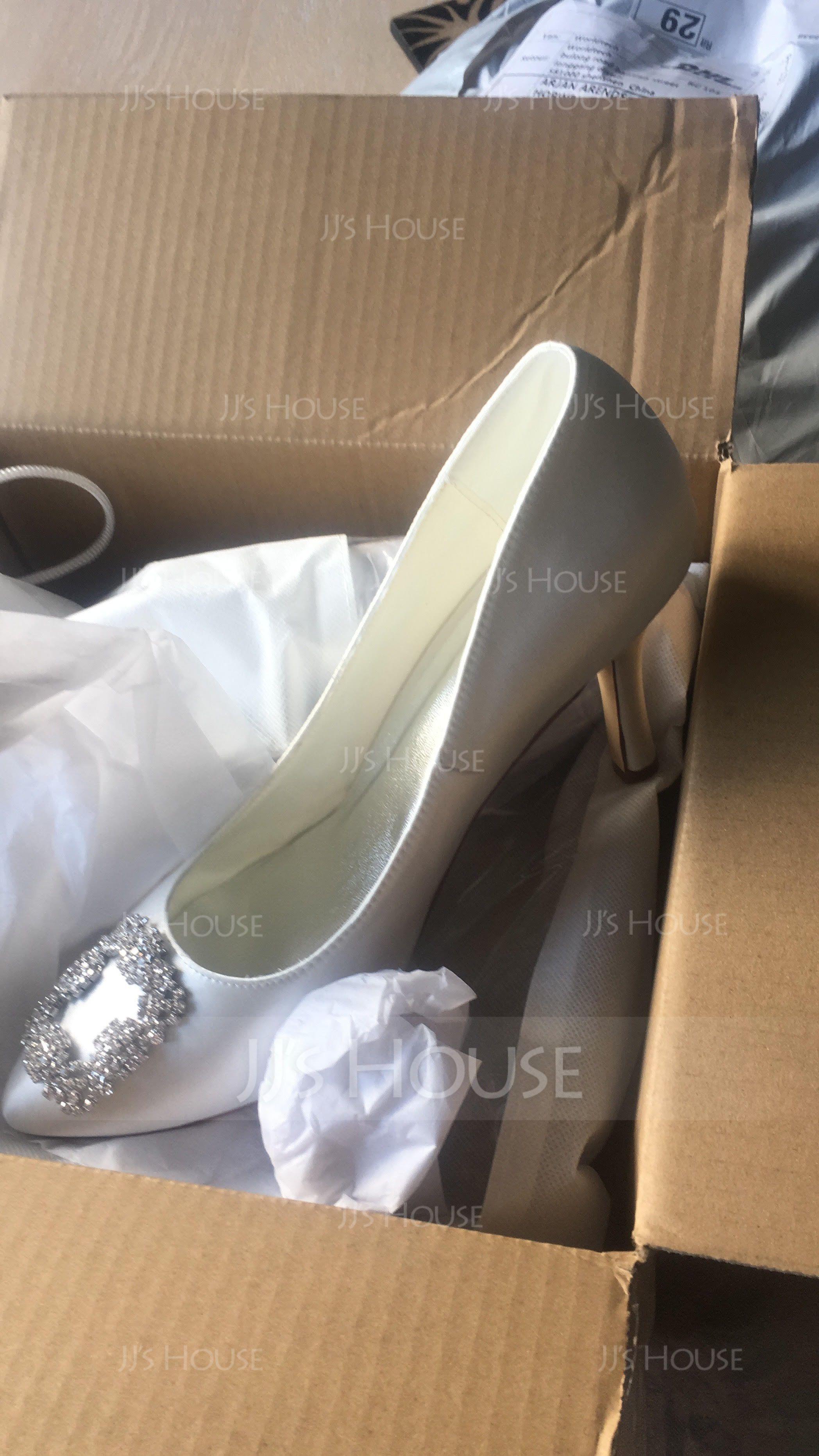 Vrouwen Satijn Stiletto Heel Closed Toe Pumps met Strass (047086384)