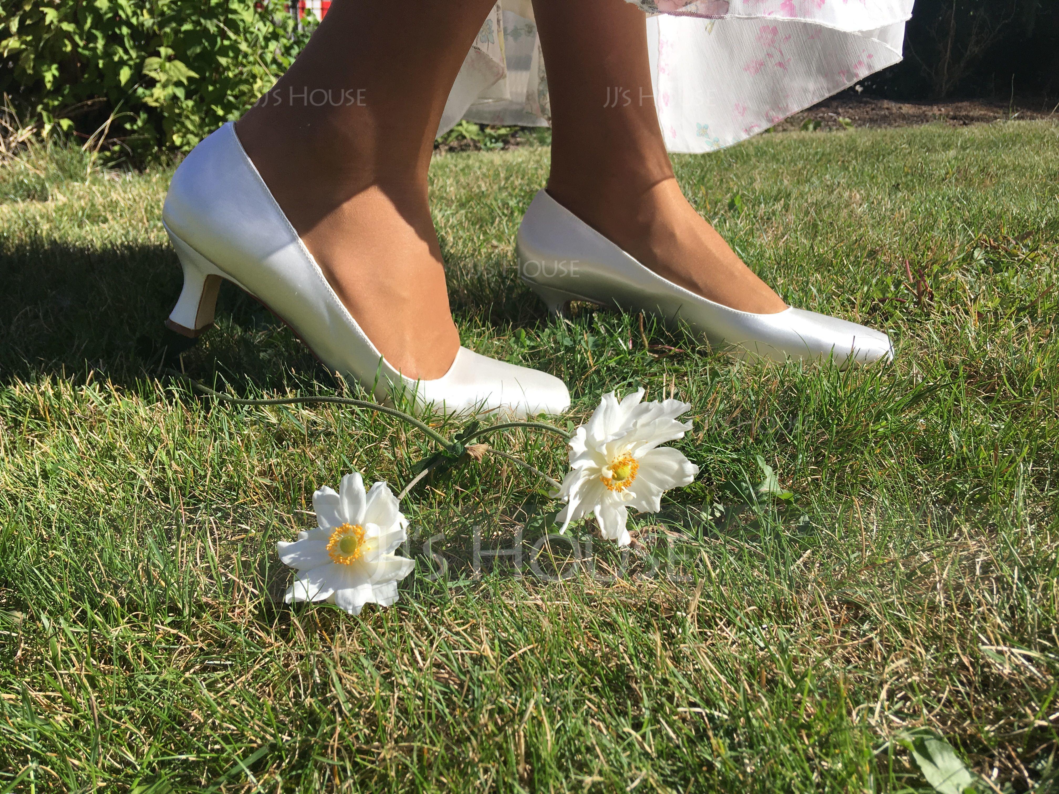 Vrouwen Satijn Chunky Heel Closed Toe Pumps Verfbare Schoenen (047088640)