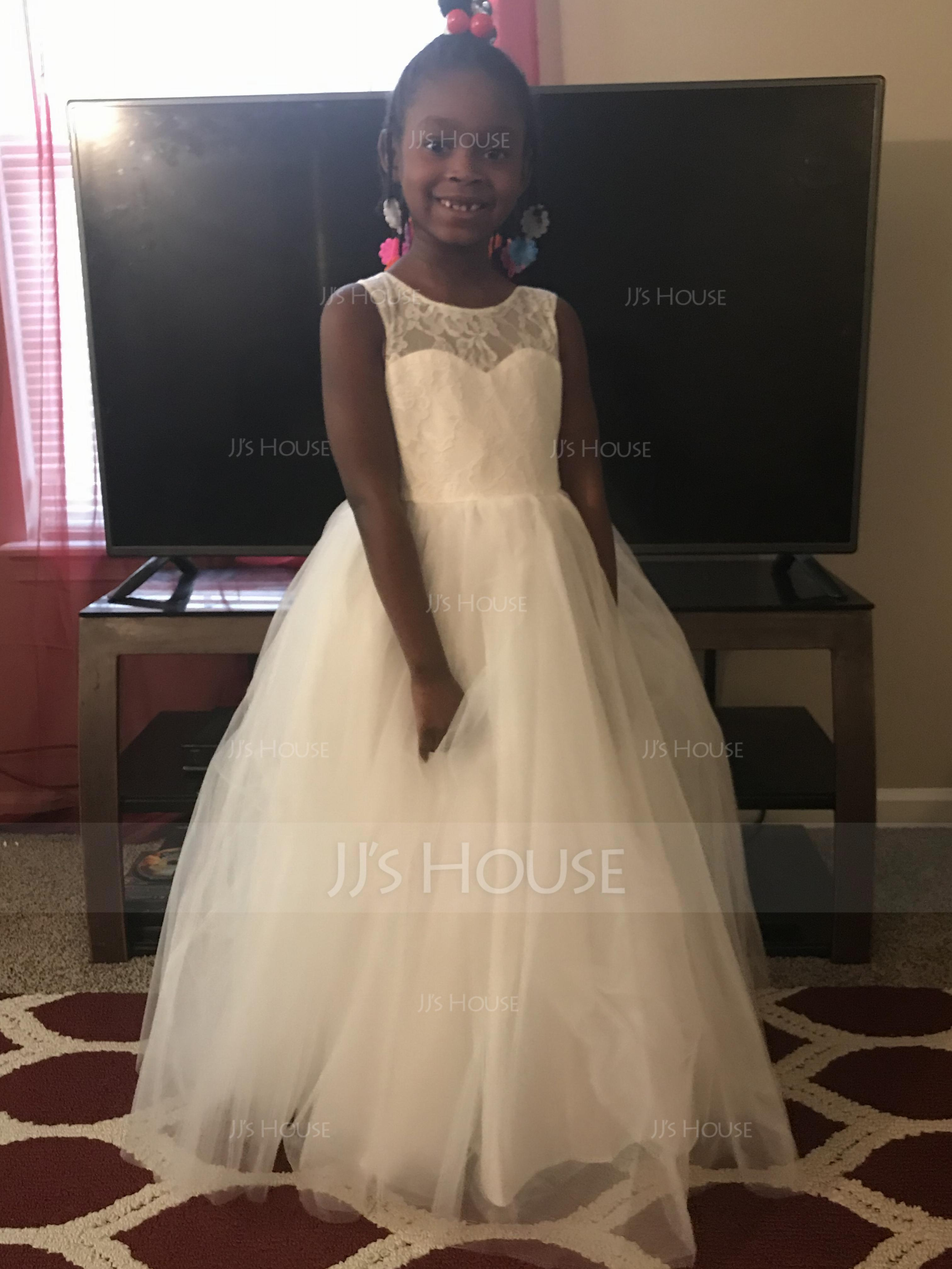 4677eb6be9c I love this dress it s so beautiful and both my flowers girls look amazing
