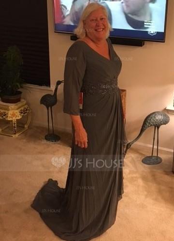 A-Linie/Princess-Linie V-Ausschnitt Sweep/Pinsel zug Chiffon Kleid für die Brautmutter mit Perlstickerei Pailletten Gestufte Rüschen (008131965)