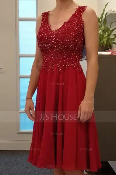 A-Line V-neck Knee-Length Chiffon Homecoming Dress With Beading (300244247)