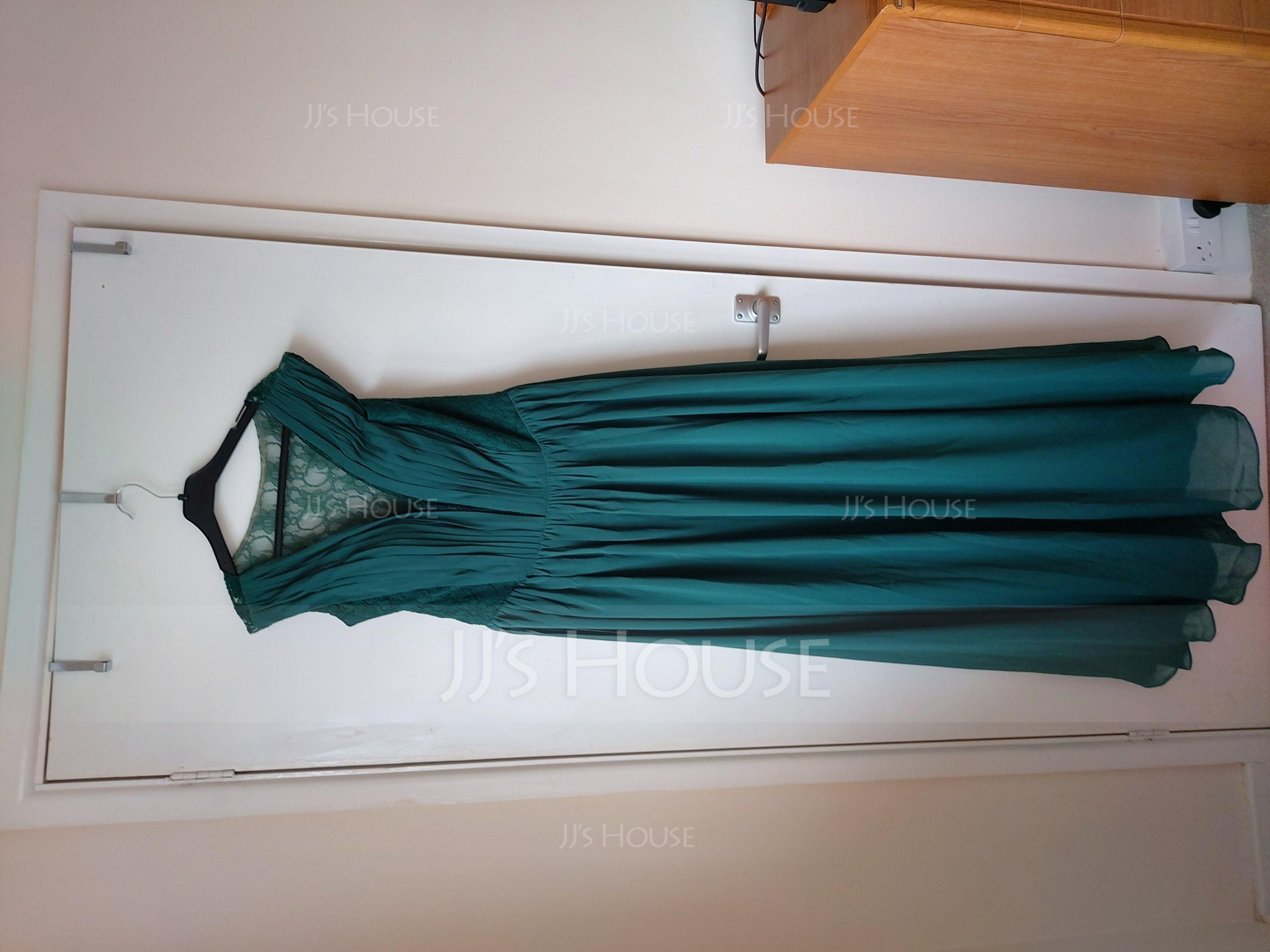 A-Line/Princess V-neck Floor-Length Chiffon Lace Bridesmaid Dress With Ruffle (266183764)