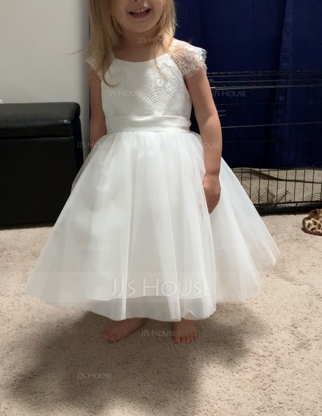 A-Line/Princess Knee-length Flower Girl Dress - Tulle/Lace Sleeveless Scoop Neck With Appliques (Undetachable sash) (010105755)