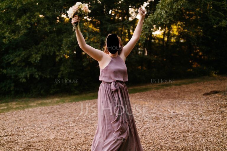 A-Lijn/Prinses Ronde Hals Vloer lengte De Chiffon Bruidsmeisjes Jurk met Strik(ken) (007090145)
