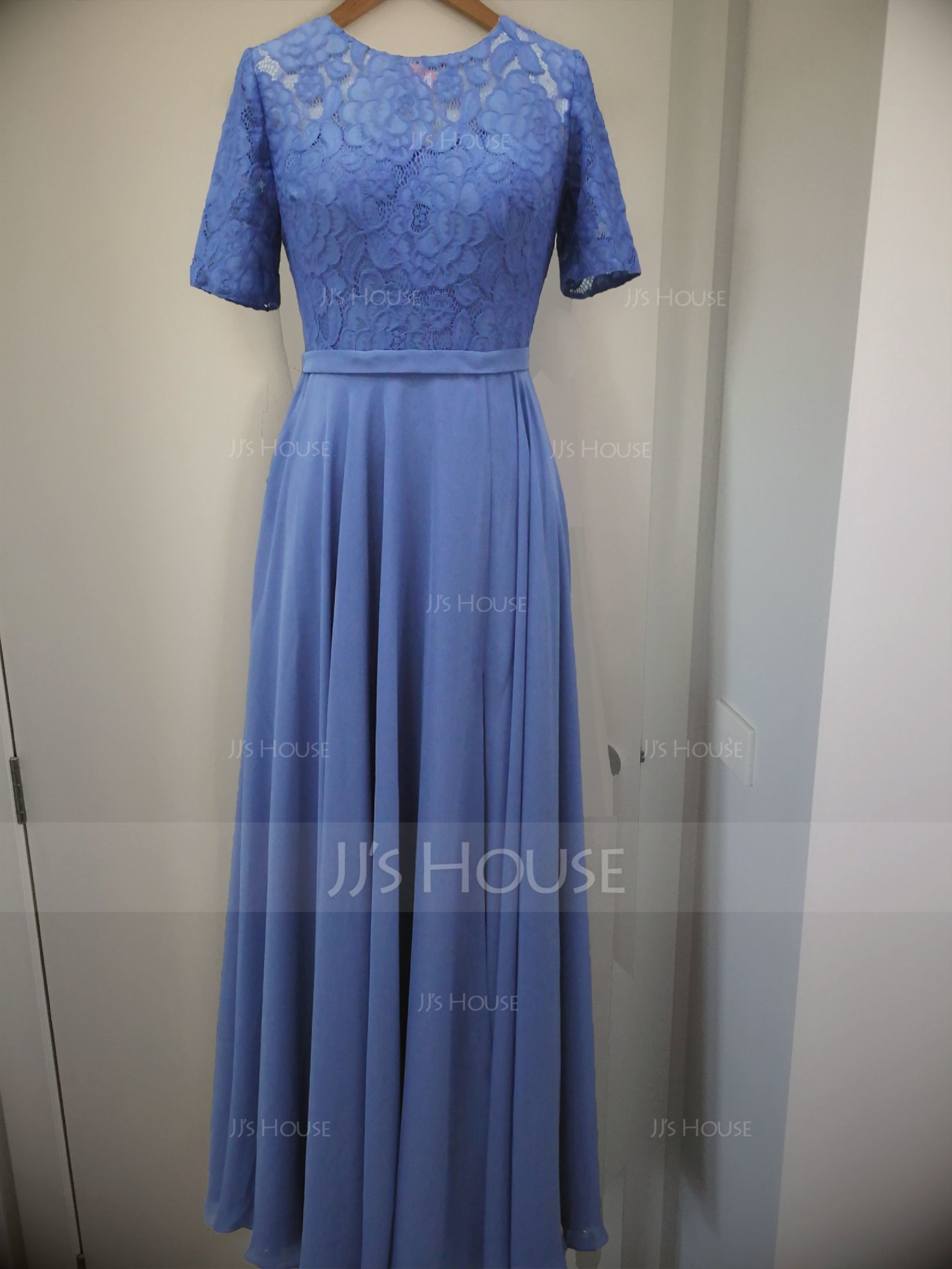 A-Line Scoop Neck Floor-Length Chiffon Lace Bridesmaid Dress With Split Front (007206480)