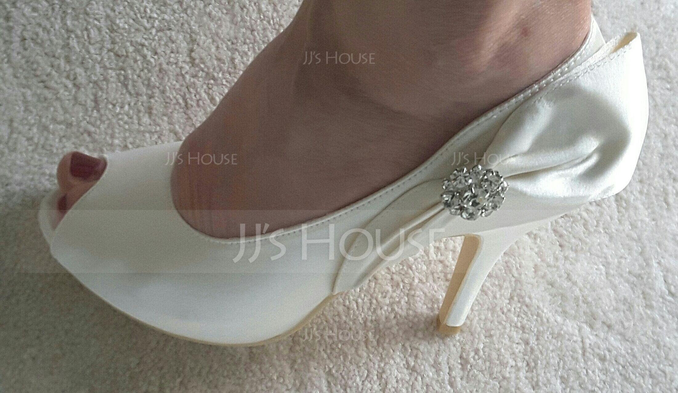 Vrouwen Satijn Stiletto Heel Peep Toe Pumps met Strik Strass (047048026)