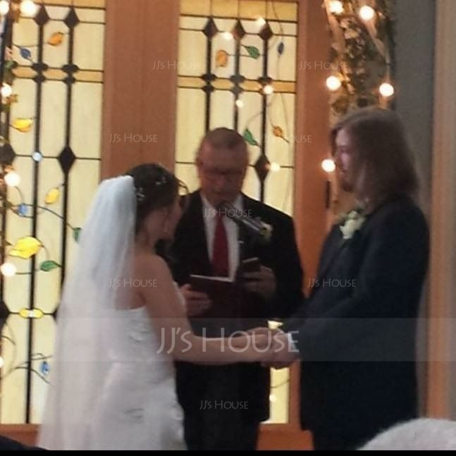 One-tier Waltz Bridal Veils With Ribbon Edge (006003952)